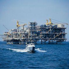 Campos petroleros de Lago Maracaibo, Venezuela.  3rd overseas assignment  cjs   5.