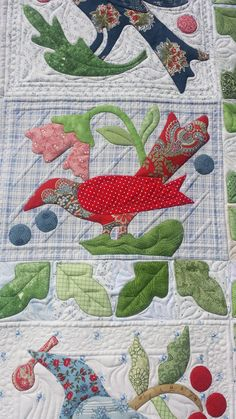 Birdsong quilted by Susan Lawson.  Seaminglyslawsonquilts.blogspot.com