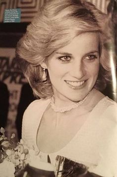 Look how flawless and beautiful lady diana was. this has to be one of my favorite photos of her. Princess Diana Fashion, Princess Diana Family, Royal Princess, Princess Of Wales, Princess Diana Death, Princess Wedding, Lady Diana Spencer, Princesa Diana, Prinz William