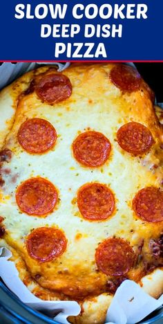 Slow Cooker Deep Dish Pizza- This Chicago-Style pizza is easy to make in the crock pot. Lots of cheese, sausage, and pepperoni make this pizza hard to resist. Slow Cooker Recipes, Crockpot Recipes, Cooking Recipes, Pizza Recipes, Dinner Recipes, Dinner Ideas, Meal Ideas, Crock Pot Pizza, Pizza Casserole Crockpot