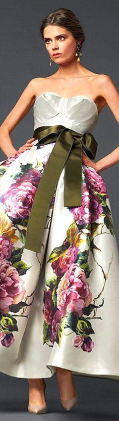 Dolce & Gabbana  https://www.facebook.com/SWWLS.Dallas www.SocietyOfwomenWhoLoveShoes Twitter @ThePowerofShoes Instagram @SocietyOfWomenWhoLoveShoes