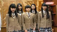 """LoGIRL""  SAKURA-GAKUIN headed program on web. Every Moa-nday 19:00 JST."