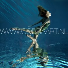 Beautiful underwater photography, great use of light sources and shadows. Based on the colors that are used in the pictures, these photographs on plexiglas are ment to give a certain emotion and feeling when viewing. In large formats these photographs are absolutely overwhelming, beautiful! More collection at www.cobraart.nl/en Ask for the many available options. plexi poster acryl plexiglas kunst schilderijen art fotografie photography galerij gallery foto poster