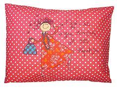 """Pinkkipallero tyynyliina naiskuvalla """"Meijä äiti menee tilanteisii ja sitte tapa"""