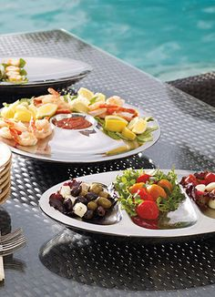 The perfect outdoor serving accessories from Frontgate.