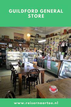 De General Store. In kleine plaatsen op het platteland van Australië zie je die nog. Een winkel waar je terecht kunt voor je eerste levensbehoeften, zoals melk en brood, wc-papier en schoonmaakmiddel. Je wordt er nog vanachter de toonbank geholpen. Vaak kun je er ook spullen krijgen die onmisbaar zijn op het platteland, zoals gereedschap, laarzen en kippengaas. En je kunt er koffie drinken en een eenvoudige maaltijd eten.  #reisblog #reisinspiratie #australië General Store