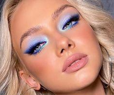 Peacock Eye Makeup, Pink Eye Makeup, Colorful Eye Makeup, Eye Makeup Art, Blue Glitter Eye Makeup, Blue Eyeliner Looks, Eyeshadow For Blue Eyes, Blue Makeup Looks, Makeup Looks Blue Eyes
