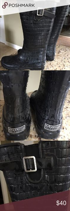 Sperry Tall Black Croc Embossed Rain Boots Size 7 Sperry Tall Black Croc Embossed Waterproof Rubber Rain Boots Size 7 Have a soft fleece lining.  Practical and stylish! Sperry Shoes Winter & Rain Boots