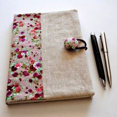 Fabric Ideas Fabric Notebook Cover Tutorial More - Linen Journal Cover One of our dearest friends turns 50 this week, so I stitched her up a little personalised present, a linen notebook cover with matching compact mirror. The shops are full of b Diy Notebook, Notebook Covers, Journal Covers, Book Journal, Sewing Patterns Free, Free Sewing, Sewing Tutorials, Fabric Crafts, Sewing Crafts