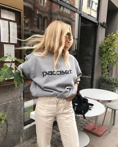 everyday outfits for moms,everyday outfits simple,everyday outfits casual,everyday outfits for women Trendy Outfits, Cool Outfits, Fashion Outfits, Everyday Outfits, Everyday Fashion, Sweater Outfits, Legging Outfits, Freja Wewer, Jeans Boyfriend