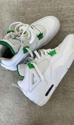 All Nike Shoes, White Nike Shoes, Hype Shoes, Nike Shoes Air Force, New Shoes, Jordan Shoes Girls, Girls Shoes, Jordan Sneakers, Swag Shoes