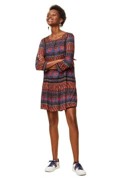 Desigual women's evasé printed dress with 3/4-length sleeves with subtle black details. Discover more about Desigual dresses on our website!