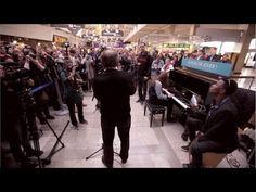▶ Grand Corps Malade et Richard Bohringer - Course contre la honte (Live dans les gares) - YouTube