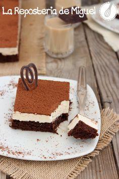 Brownie Mousse de Baileys  http://www.lareposteriademiguel.com/2013/11/brownie-mousse-de-baileys.html