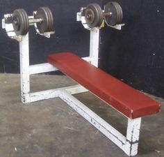 Increasing Use of Trainings with Dumbbell Bench Homemade Gym Equipment, Home Workout Equipment, Gym Workout Tips, Training Equipment, Home Made Gym, Diy Home Gym, Gym Room At Home, Home Gym Bench, Home Gym Garage
