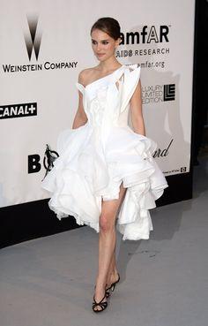 Pin for Later: Wir zählen die Tage bis zum Filmfest in Cannes mit den besten Looks 2008: Natali Portman in Givenchy
