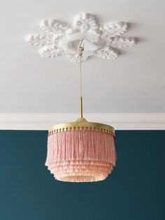 Visit the best interior lighting design projects. Home lighting design is always peculiar, at our house we want to make it as special as possible . Deco Luminaire, Luminaire Vintage, Retro Home Decor, Home Decor Shops, Deco Design, My New Room, Lampshades, Home Decor Accessories, Interior Inspiration
