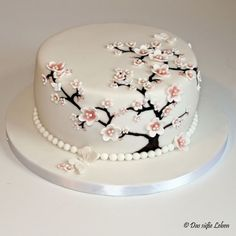 The Sweet Life: Birthday Cake with Cherry Blossoms and Butterflies .- Das süße Leben: Geburtstagstorte mit Kirschblüten und Schmetterlingen www.xn-… The sweet life: birthday cake with cherry blossoms and butterflies www. Pretty Cakes, Beautiful Cakes, Fondant Cakes, Cupcake Cakes, Cupcakes, Cherry Blossom Cake, Cherry Blossoms, Mom Cake, Tree Cakes
