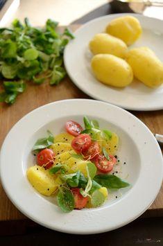 Simplă salată de cartofi — Adi Hădean Risotto, Protein, Breakfast, Ethnic Recipes, Food, Salads, Morning Coffee, Essen, Meals