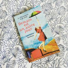 Les vacances c'est aussi prendre le temps de lire. Terminé à l'instant et j'ai beaucoup aimé, ce livre ma provoqué beaucoup d'émotions #luetapprouvé #demainestunautrejour