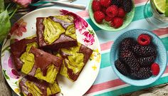 Hříšně dobré matcha brownies Matcha, Brownies, French Toast, Breakfast, Food, Cake Brownies, Morning Coffee, Essen, Eten
