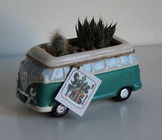 succulent arrangement in aldi kombi van Succulent Arrangements, Succulent Pots, Succulents, Ww Car, Terracotta Jewellery Online, Ceramic Pots, Pottery Designs, Window Sill, Clay Art