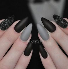 """If you're unfamiliar with nail trends and you hear the words """"coffin nails,"""" what comes to mind? It's not nails with coffins drawn on them. It's long nails with a square tip, and the look has. Gorgeous Nails, Love Nails, Fun Nails, Gradient Nails, Holographic Nails, Glitter Nails, Nail Manicure, Nail Polish, Manicure Ideas"""