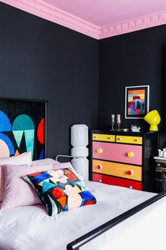 Bold NY bedroom by designer David Mann. Colorful Interior Design, Interior Design Inspiration, Home Decor Inspiration, Colorful Interiors, Home Interior Design, Furniture Inspiration, Casa Pop, Memphis Design, Aesthetic Room Decor
