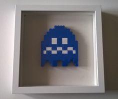 Fantôme de Pacman Nintendo en Lego encadré : Décorations murales par legopixel                                                                                                                                                                                 Plus