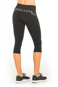Perfect mid-rise tight for most workouts. Pintpoint 7/8 Tight  lornajane.com xx