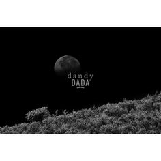 Luna piena. Plenilunio carico di simbologie arcaiche e misteriose. Black and…
