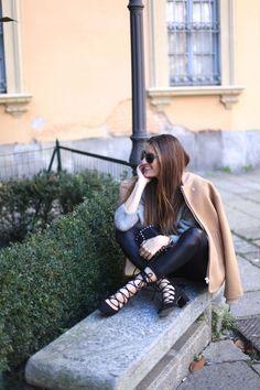 SMILE ! Strappy Flats, Autumn Winter Fashion, Winter Style, Sophia Loren, Image Collection, Leather Pants, Street Style, Style Inspiration, Smile