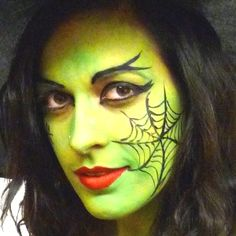 Halloween make-up tips: Green Witch Post Creepy Factory . Witch Makeup, Halloween Eye Makeup, Halloween Eyes, Maquillage Halloween, Halloween Horror, Diy Halloween, Skull Face Makeup, Face Paint Makeup, Halloween Tipps