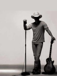 One of my favorite pics of Kenny chesney.