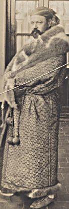 Arthur Thesleff, klädd som indianhövding
