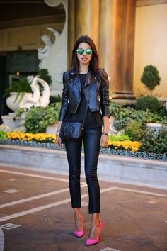 Total black with pink heels ... love. #black #fashion #outfit
