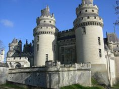 Pierrefonds, France Places Around The World, Around The Worlds, Places To See, Places Ive Been, Travel Memories, Pisa, Louvre, Tower, France