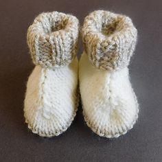 Baby Hug Boots Free Knitting Pattern
