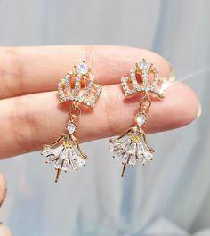 Geode Jewelry, Jewelry Design Earrings, Funky Jewelry, Ear Jewelry, Stylish Jewelry, Cute Earrings, Gothic Jewelry, Unique Earrings, Cute Jewelry