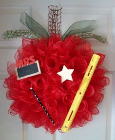 TEACHER'S APPLE WREATH by ADoorableCreations05 on Etsy, $45.00