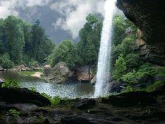 Noccalulu Falls in Gadsden, Alabama