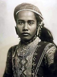 """Datu Bulon, 19-year old chief of the Bagobo Tribe, 1904. He was on display together with other indigenous peoples at the """"colonial exhibit"""" of the 1904 St. Louis World Fair. #kasaysayan World's Fair, Filipino, Exhibit, St Louis, Colonial, Display, People, Floor Space, Billboard"""
