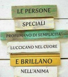 Come riconoscere le persone speciali Italian Phrases, Italian Quotes, Words Quotes, Love Quotes, Inspirational Phrases, Learning Italian, Some Words, Sweet Life, Beautiful Words