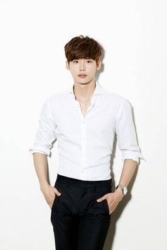 Lee Jong Suk confirmed to star in 'Pinocchio' alongside Park Shin Hye