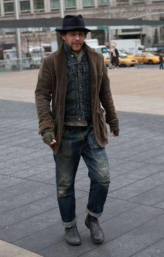 Good Hobo look... loving the jacket over the denim... Blundstones look decent too