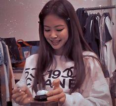 Kpop Girl Groups, Korean Girl Groups, Kpop Girls, Twitter Header Aesthetic, Twitter Header Photos, Kim Jennie, Kim Hair, Black Pink Kpop, Best Rapper