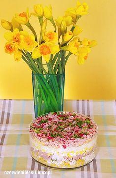 Wiosenna sałatka z szynką, szczypiorkiem i rzodkiewką