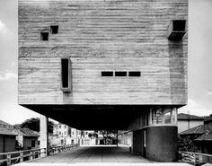 Centro Paroquial São Bonifácio, São Paulo, 1966   Arquiteto Hans Broos - Foto Cristiano Mascaro
