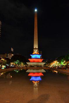 El fascinante Obelisco de Caracas.