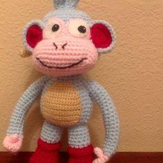 Boots the Monkey free pattern (spanish) Kawaii Crochet, Crochet Gratis, Crochet Patterns Amigurumi, Cute Crochet, Crochet For Kids, Amigurumi Doll, Crochet Dolls, Crochet Yarn, Diy Craft Projects